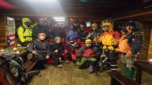 Billede af bjergbestigere i Cotopaxi refuge. Leder til pakkeliste